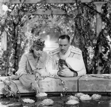 A Greta Garbo y Fredrich March