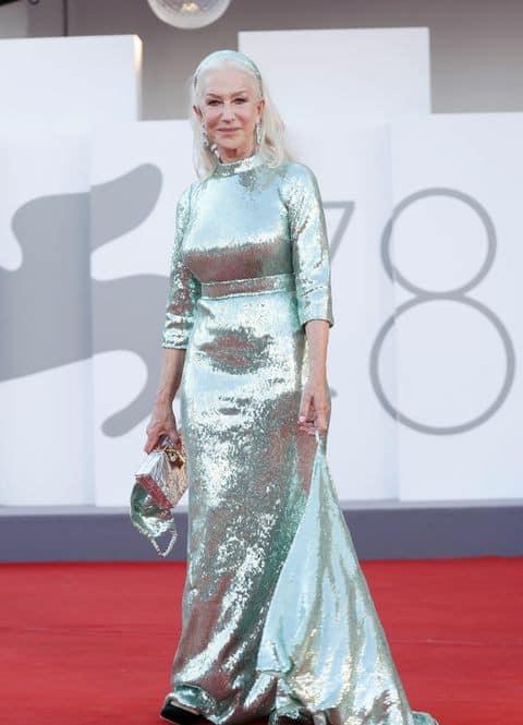 Helen Mirren en la alfombra roja del Festival de Venecia